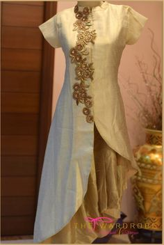 for this Tailer fit designer wear Pakistani Dresses, Indian Dresses, Indian Outfits, Indian Attire, Indian Wear, Kurta Designs, Blouse Designs, India Fashion, African Fashion