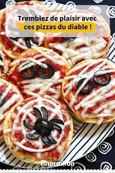 Halloween Pizza, Creepy Halloween Food, Halloween Eyeballs, Halloween Snacks, Halloween 2018, Halloween Night, Halloween Party, Halloween Ideas, Holiday Snacks