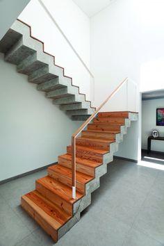 A  House - photo: Alejandro Peral