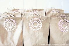 Make your own shabby chic birthday gift bags with this DIY project!