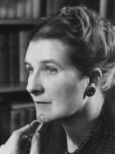 About Stella Gibbons: Stella Dorothea Gibbons was an English novelist, journalist, poet and short-story writer.Her first novel, Cold Comfort Farm, won . Cold Comfort Farm, A Level English Literature, Stella Gibbons, Story Writer, Brave Women, National Portrait Gallery, First Novel, Profile Photo, Book Authors