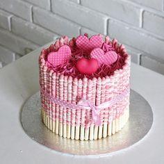 #cake #cakeshop #cakes #cakejakarta #cupcakes #cupcakejakarta #cafejakarta #lulukaylacupcake #kuejakarta #kueultah #kue #birthdaycake #JKTINFOOD #JKTFOODIES #buttercreamcake #customcake #customcakejakarta #flowercake #cupcakesjakarta #pinkcakelk