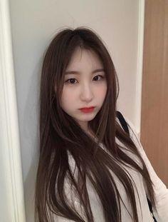 Sakura Miyawaki, Gfriend Sowon, Aesthetic Hair, Kim Min, The Wiz, Mamamoo, Me As A Girlfriend, Kpop Girls, Asian Beauty