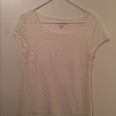 Banana Republic cream lace top *price reduced* Banana Republic cream lace top with side zipper. Worn handful of times, clean, no stains, good condition. Banana Republic Tops