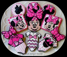 Minnie mouse baby shower cookies
