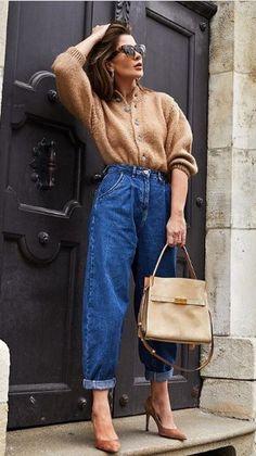 Source by alibutlerr casual Moda Jeans, Estilo Jeans, Modelos Fashion, Vetement Fashion, Denim Outfit, Office Fashion, Fall Looks, Capsule Wardrobe, Casual Chic