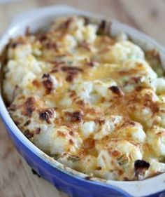 Try Loaded Casserole! You'll just need 2 lbs cauliflower florets, 8 oz shredded sharp cheddar cheese, divided, 8 oz shredded Monterey Jack cheese, divided. Side Dish Recipes, Vegetable Recipes, Low Carb Recipes, Vegetarian Recipes, Cooking Recipes, Healthy Recipes, Loaded Cauliflower Casserole, Cauliflower Recipes, Cauliflower Bake