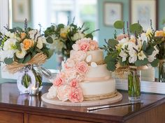Celebrate the spring and decorate your #wedding cake with peonies and roses. Image © Louise Bowles Photography. #weddingcake #cotswoldwedding #merriscourt