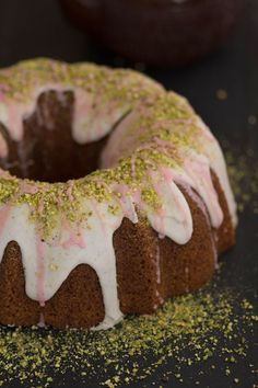 This luscious gluten free Pistachio and Blood Orange Bundt Cake will have your family and friends swooning!  { www.beardandbonnet.com @beardandbonnet}