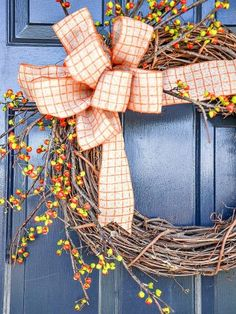 INDIAN CORN WREATH DIY- Make this beautiful fall wreath for your front door in about 30 minutes! Even if you are not crafty you can do this! Outdoor Fall Wreaths, Easy Fall Wreaths, Diy Fall Wreath, How To Make Wreaths, Wreath Ideas, Easy Burlap Wreath, Burlap Wreath Tutorial, Pillow Tutorial, Burlap Ribbon