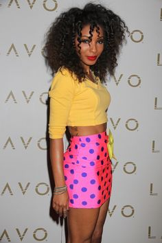 Wynter Gordons fabulous, curly hairstyle