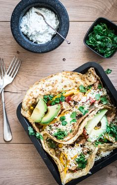Koolhydraatarme fajita's-Voedzaam & Snel Tortilla Burrito, Fajitas, Clean Recipes, Omelet, Vegetable Pizza, Quiche, Avocado, Clean Eating, Dinner Recipes