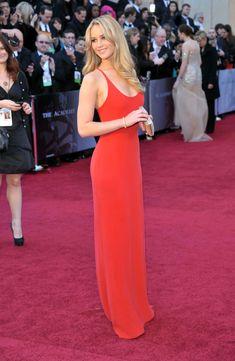 Jennifer Lawrence Upstages The Red Carpet At 2016 Golden Globes