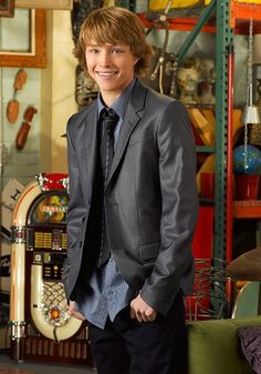 Sterling Knight as Chad Dylan Cooper Chad Dylan Cooper, Gorgeous Men, Beautiful People, Sterling Knight, Boyfriends Be Like, Sonny With A Chance, Disney Brands, Secret Crush, Disney Shows