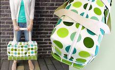 Dots & Blocks Modern Duffle (Sewing Tips & Tricks) Duffle Bag Patterns, Bag Patterns To Sew, Sewing Patterns, Sewing Hacks, Sewing Projects, Sewing Tips, Diy Sac, Diy Bags Purses, Couture Sewing