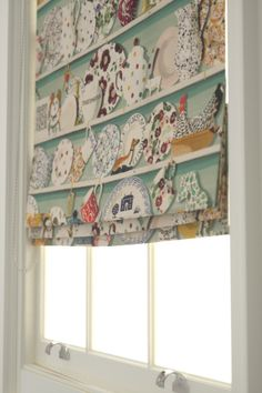 Startling Unique Ideas: Bedroom Blinds House fabric blinds how to make.Kitchen Blinds And Curtains roll up blinds outdoor.Fabric Blinds How To Make. Indoor Blinds, Patio Blinds, Diy Blinds, Bamboo Blinds, Fabric Blinds, Curtains With Blinds, Blinds For Windows, Roman Blinds, Blinds Ideas