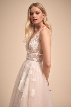 Cherry Blossom Wedding Ideas and Inspiration Western Wedding Dresses, Classic Wedding Dress, Princess Wedding Dresses, Wedding Gowns, Bridal Outfits, Bridal Dresses, Romantic Dresses, Anthropologie Wedding, Cherry Blossom Wedding