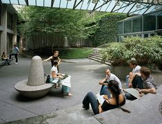 VERA LIST COURTYARD The New School, New York, NY / Michael Van Valkenburgh Associates, Inc.