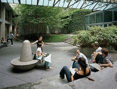 VERA LIST COURTYARD The New School, New York, NY / Michael Van Valkenburgh Associates, Inc.
