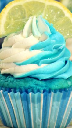 Blueberry Lemonade Cupcakes ~ Scrumptious and refreshing