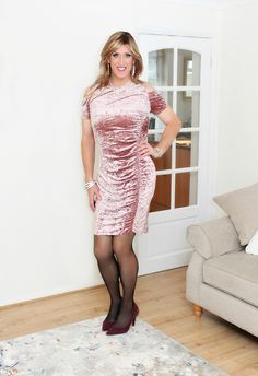 Hello from Europe and welcome to this crossdressing blog. Here you will find CD and TV elegance and...