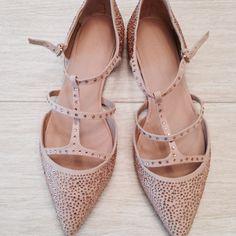 "Selling this ""Zara Parisian flat"" in my Poshmark closet! My username is: johannagrange. #shopmycloset #poshmark #fashion #shopping #style #forsale #Zara #Shoes"