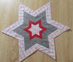 Weihnachtsdeko - Tischdecke ***Stern*** Patchwork - ein Designerstück von SigridsKreativeDinge bei DaWanda