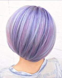 Hair To Stay The Hottest Hair Trend Of 2017 Holographic Hair- holographic hairstyle Hair Color Purple, Cool Hair Color, Funky Hairstyles, Pretty Hairstyles, Creative Hair Color, Lavender Hair, Crazy Hair, Rainbow Hair, Hair Trends
