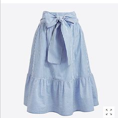 Spring Look Picture Description J. Modest Outfits, Skirt Outfits, Modest Fashion, Dress Skirt, Midi Skirt, Fashion Dresses, Cute Outfits, Trendy Outfits, Spring Look