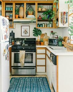 Small Kitchen Ideas that are far from Boring! - The Style Index Small Kitch. Small Kitchen Ideas that are far from Boring! - The Style Index Small Kitch. Kitchen Decor Ideas - Bohemian Rental Before After Rental Kitchen Makeover, Apartment Makeover, Apartment Ideas, Vintage Apartment Decor, Rental Makeover, Apartment Checklist, Bohemian Studio Apartment, Studio Apartment Kitchen, Apartment Goals