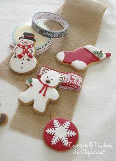 Galletas navideñas tartas y nubes de azúcar