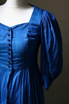 vintage dirndl dress in a gorgeous blue