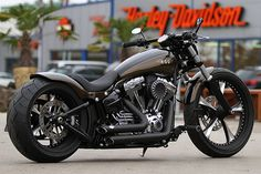 """Harley-Davidson Softail by Thunderbike as """"Metzeler ME888 Project"""""""