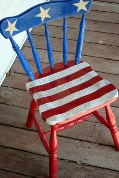 DIY American Flag Chair Tutorial by Greene Acres Hobby Farm Patriotic Crafts, July Crafts, Patriotic Room, Americana Crafts, Patriotic Wreath, Patriotic Party, Summer Crafts, 4th Of July Party, Fourth Of July
