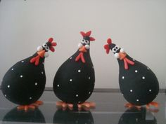 Cute chickens. I could see these made with gourds or paper mache pears.
