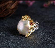 925シルバー natural  Baroque pearls Ring Tourmaline lapis lazuli Garnet Emerald(Etsy のmikaincより) https://www.etsy.com/jp/listing/587307323/925shirub-natural-baroque-pearls-ring