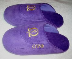Omega Psi Phi slippers- My husband would love these! Omega Gifts, Omega Psi Phi Paraphernalia, Phi Delta Theta, Divine Nine, Greek Gifts, Sorority And Fraternity, Creative Gifts, Creative Ideas