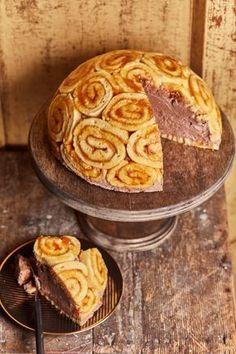 Charlotte-torta csokimousse-szal | Street Kitchen Cookie Recipes, Vegan Recipes, Hungarian Recipes, Chocolate Ice Cream, Winter Food, Street Food, Creme, Food Photography, Bakery