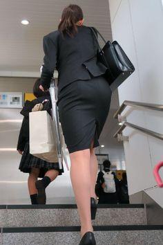 【スーツpantsとタイトskirt】