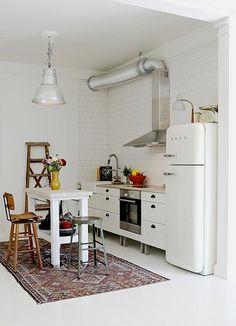 Cute, bright little kitchen