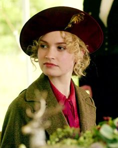 Lady Rose MacClare (Lily James) - cousin & ward of Lord Grantham - Downton Abbey Season Outlander, Julian Fellowes, Dowager Countess, Avatar, Masterpiece Theater, Downton Abbey Fashion, Lady Mary, Fashion Mode, Mode Vintage