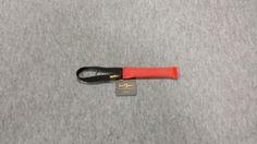 Gryzak z węża strażackiego z jednym uchwytem 3 x 19cm czerwony