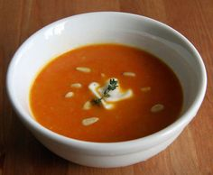 Ginger Carrot Detox Soup by fitsugar #Soup #Carrot #Ginger