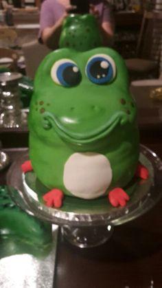 Frog Smash Cake