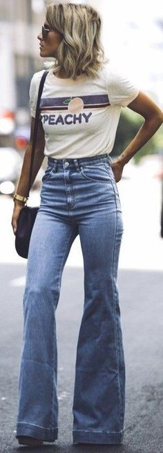 Casual look | Messaging shirt with high waisted flared jeans