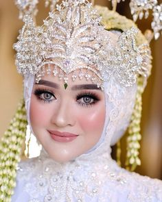 Makeup & Attire by Javanese Wedding, Indonesian Wedding, Muslimah Wedding Dress, Hijab Wedding Dresses, Foto Wedding, Next Wedding, Dream Wedding, Wedding Ideas, Bridal Makeup Looks