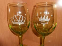 King and Queen Crowns Etched Wine Glasses - Wedding Gift Idea by TreasuresShop on Etsy