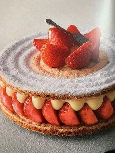 Recette Succés aux fraises de Vincent Guerlais. - Pastry Certified