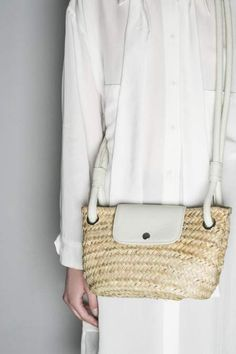 collection Handcrafted bag in raffia and leather details Hat Making, Showroom, Shoulder Bag, Hats, Leather, Collection, Fashion, Moda, Hat