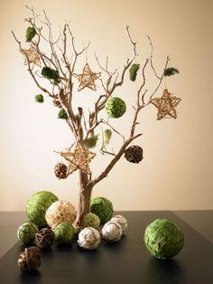 Árbol de Navidad con ramas secas. http://www.hogarutil.com/decoracion/soluciones/complementos/fotos/arbol-navidad-ramas-5059.html?12993.31